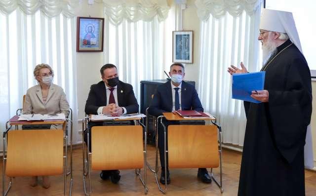 Свои мероприятия к 200-летию со дня рождения Достоевского подготовила и Новгородская митрополия.