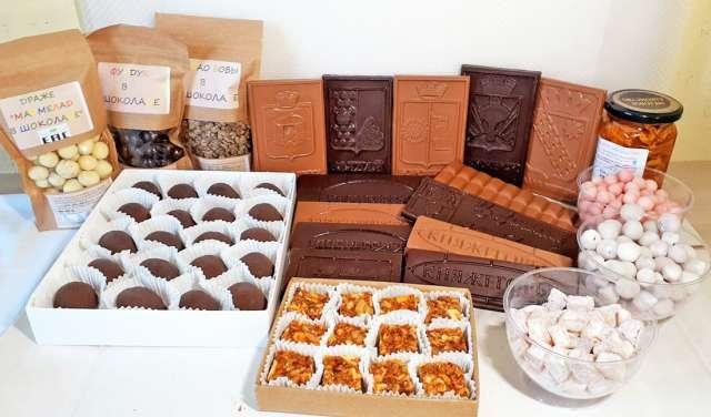 Фабрика «Княжегорье» обладает технологией, позволяющей производить индивидуальные конфеты под заказ клиента.