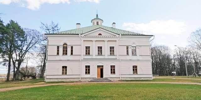 Реставраторы вернули графскому дому исторический облик.