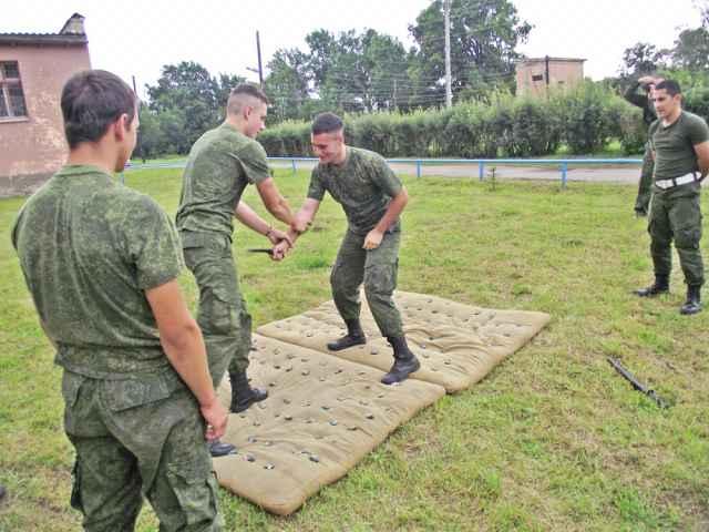 Рукопашный бой входит в программу подготовки кадетов.