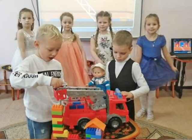 В детском саду «Буратино» придумано уже 20 вариантов сюжетно-ролевых игр, в ходе которых дошколята смогут попробовать себя в разных профессиях.