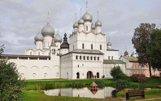 Центр Ростова Великого – уникальное место неземной красоты.