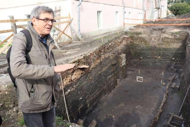 Исследовать центр Славенского конца средневекового Новгорода было давней мечтой Петра Гайдукова.