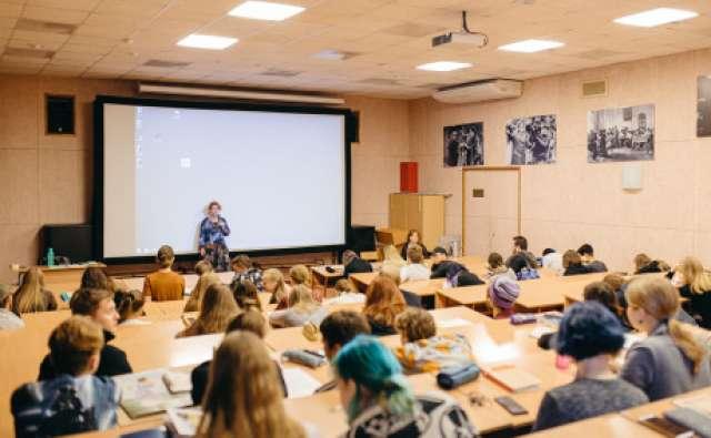 Попробовать себя в новой профессии решили 30 молодых новгородцев в возрасте от 18 до 35 лет