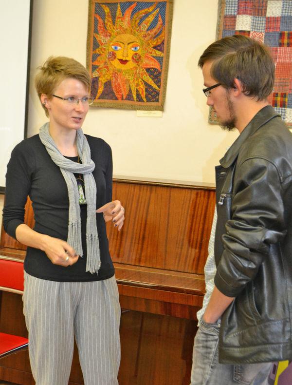 В Новгороде Елизавета Мусатова прочитала лекцию: «Психотерапия: что, зачем и для кого». После её завалили вопросами