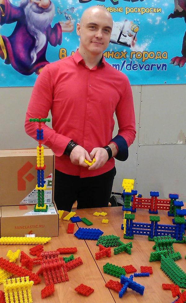 «Чтобы стать хорошим инженером, заниматься надо начинать уже в детском саду», — уверен Максим Юдин