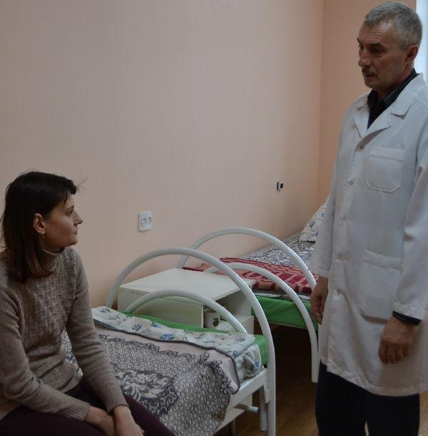 Пациентами больницы являются все жители Солецкого района, а это около 14 тыс. человек, из которых 2500 — дети и почти 40% — пенсионеры