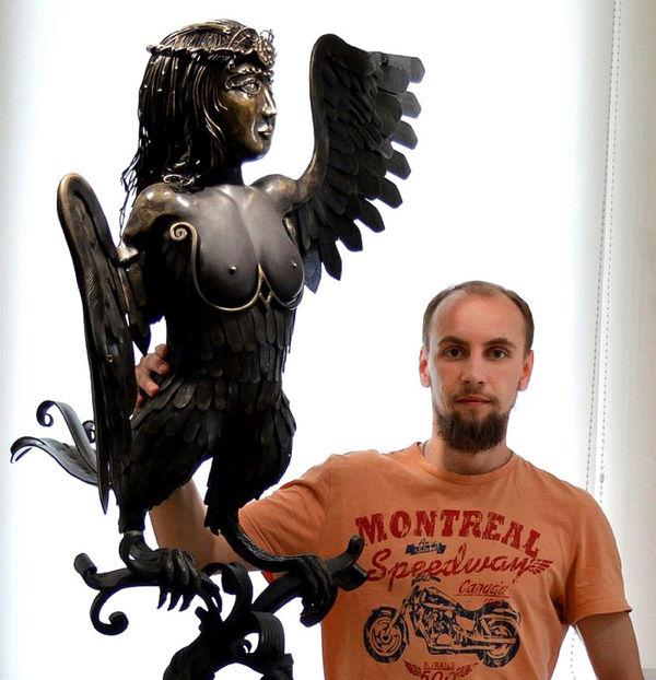 Птица-дева — дипломный проект Сергея, над которым он работал параллельно с винтовой лестницей