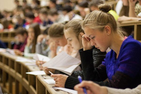 Уровень сложности олимпиадных заданий выходит за рамки школьной программы