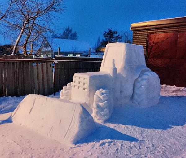 Строительство снежных фигур — хорошая альтернатива фитнес-тренировке