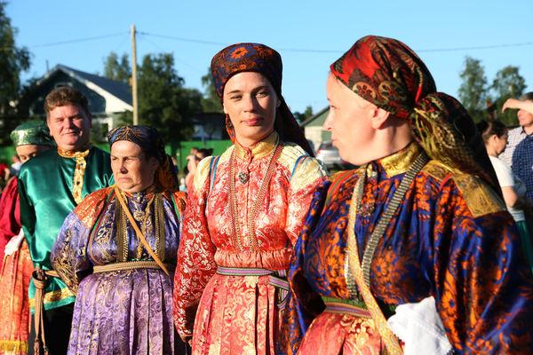 В таких нарядах ходили встарь бабы Усть-Цильмы