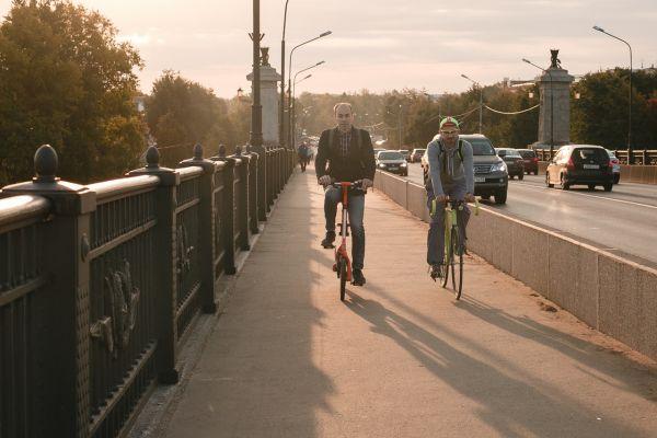 На сегодняшний день общая протяженность велодорожек в областном центре составляет 10 км.