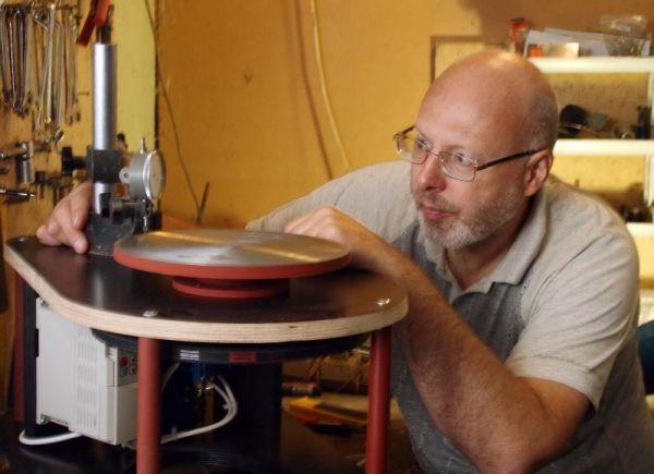 Андрей Кудрявцев может обставить мастерскую для ремесленника по полной программе.