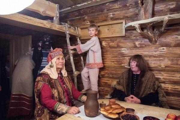 В создании ленты участвуют известные российские артисты. В октябре на съемки в Великий Новгород и Старую Руссу, уже приезжали Лариса Лужина и Юрий Кузнецов.