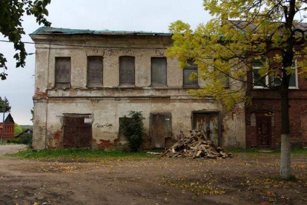 В Валдайском районе насчитывается около 200 разрушенных и сгоревших домов. Часть из них - памятники культурного наследия.