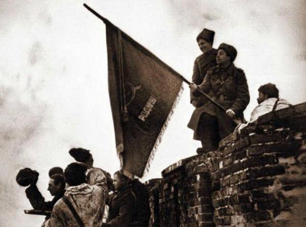 20 января 1944 года частями советской армии Новгород был освобождён от немецко-фашистских захватчиков.