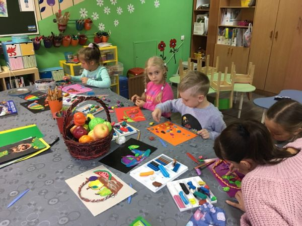 Так проходят занятия в семейном творческом центре «Музизон»