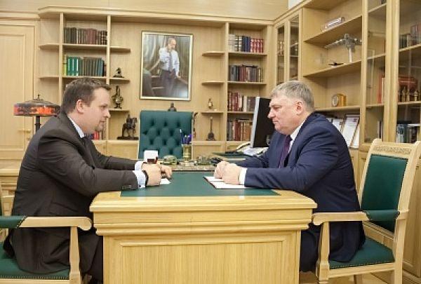 Николай Хатунцев отметил, что на результаты статистики по смертности в Чудовском районе негативное влияние оказывает наличие федеральной трассы М10.