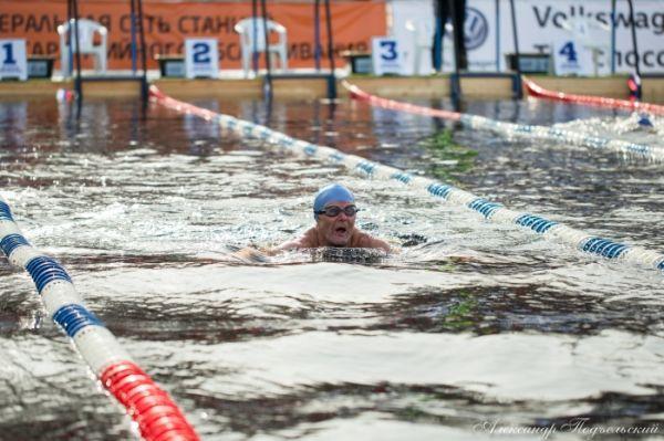 Спортсмен показал первый результат среди мужчин в возрастной группе старше 80 лет на двух дистанциях.