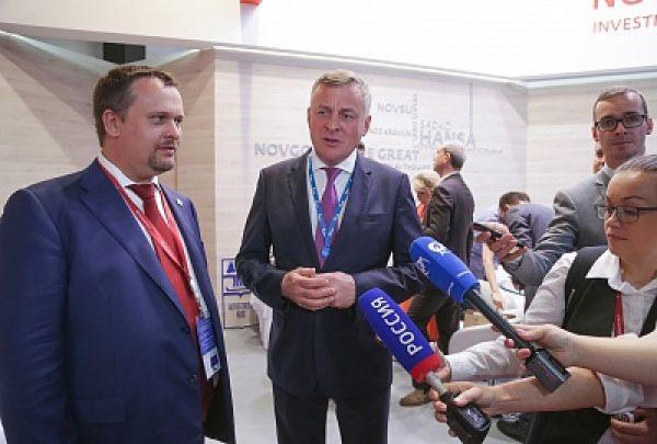По словам Сергея Густова, программа газификации Мошенского района сейчас находится на утверждении у председателя правления Газпрома.