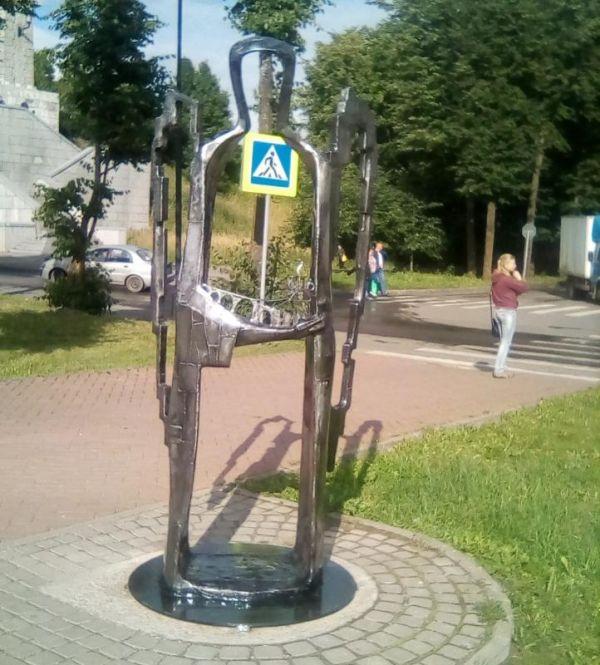На набережной Александра Невского в областном центре появилась скульптура ангела-хранителя города.
