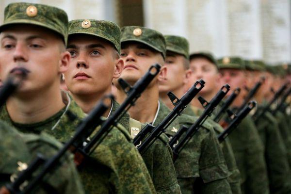Начали действовать новые поправки в закон «О воинской обязанности и военной службе».