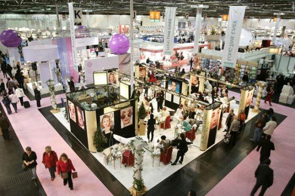 Субсидии предоставлят в размере 2/3 произведенных затрат на участие в выставочных мероприятиях.