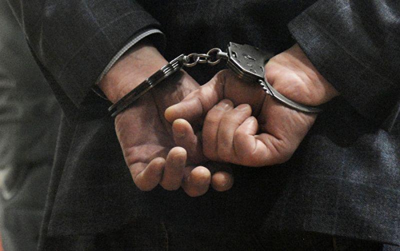 Полиция передала задержанного представителям регионального следственного управления Следственного комитета России. Полицейские и следователи устанавливают все обстоятельства преступления.
