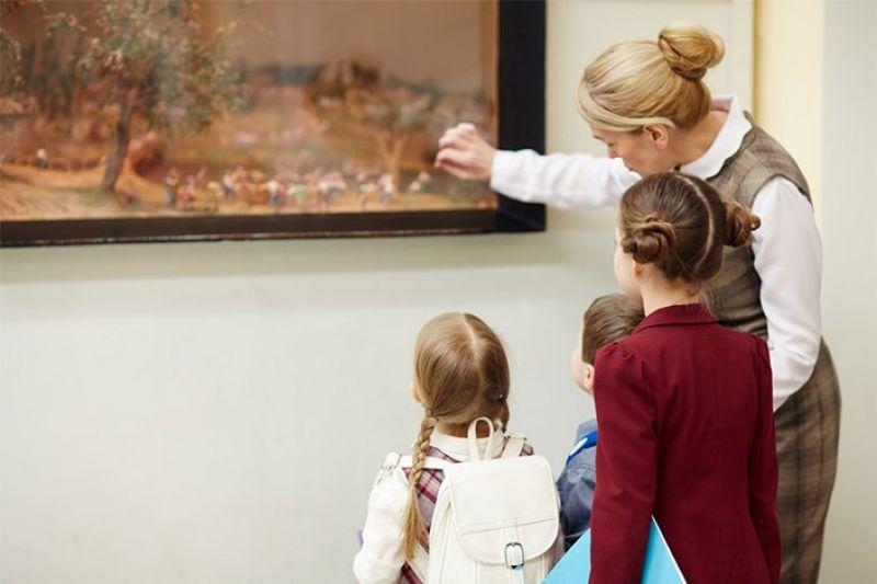В рамках проекта школьники знакомятся с музейными коллекциями