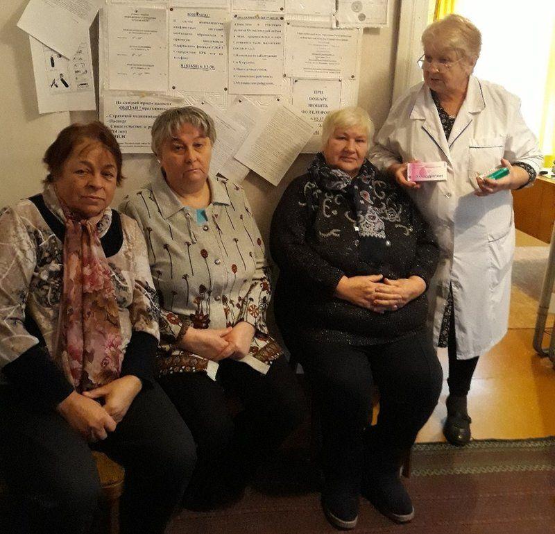 На первую встречу с медиком пришли восемь человек. Несмотря на то, что библиотечный проект для Лидии Владимировны – общественная нагрузка, она с удовольствием на него откликнулась.