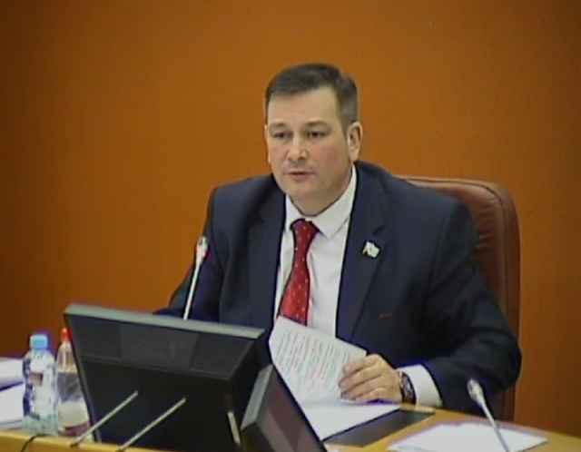Спикер Алексей Митюнов предложил лишать депутата слова на время рассмотрения того вопроса, при обсуждении которого народный избранник допустил нарушение.