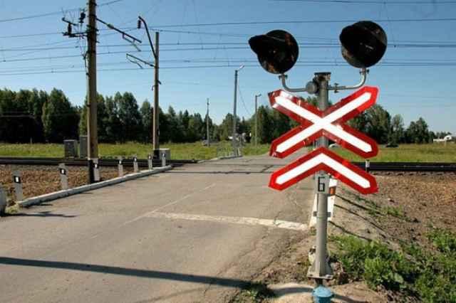 Сотрудники региональной Госавтоинспекции выявили различные нарушения на более 60 железнодорожных переездах в Новгородской области.