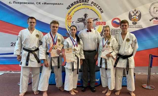 Новгородцы тренируются под руководством главного тренера Анатолия Митрофанова.
