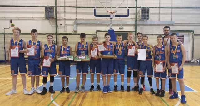 В игре за третье место новгородцы одержали убедительную победу на хозяевами площадки – тверскими баскетболистами.
