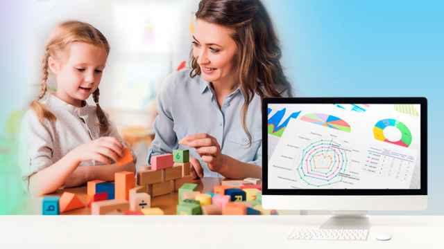Тестирование дошколят проходит на компьютере в начале, в середине и в конце учебного года. Свою часть аналитического блока заполняют воспитатель, логопед, психолог, а затем ребятишки отвечают на красочные задания, поданные в игровой, весёлой форме.