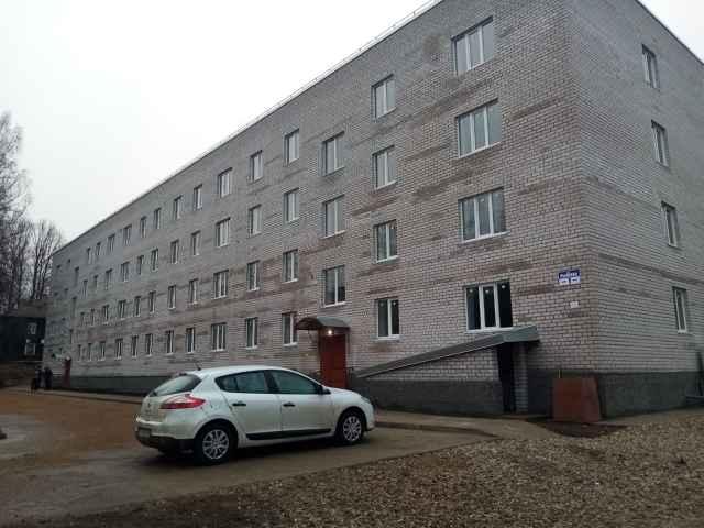 Администрация района выкупила все жилые помещения 48-квартирного дома в Окуловке