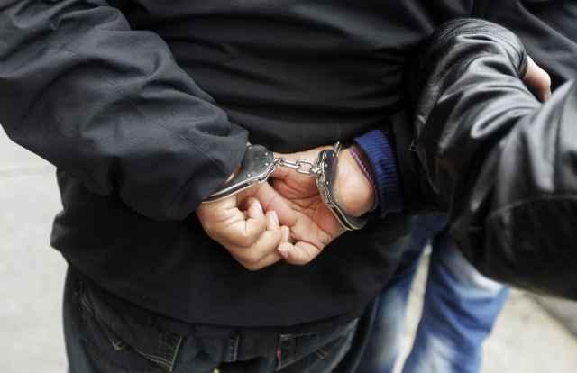 38-летнего мужчину зарезали возле деревни Шолохово