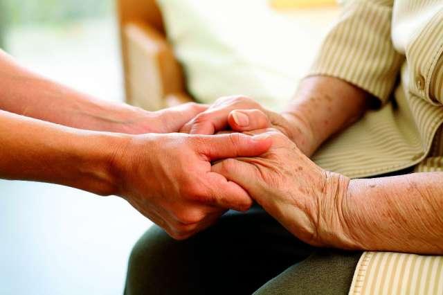 В областной гериатрический центр пациентов после обследования направляют терапевты и врачи общей практики.