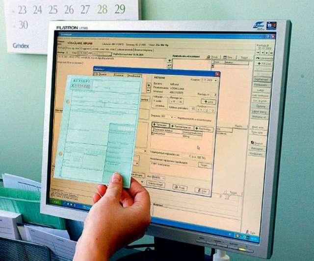 После закрытия врачом электронного листка нетрудоспособности пациенту нет необходимости стоять в очередях в «страховой стол».