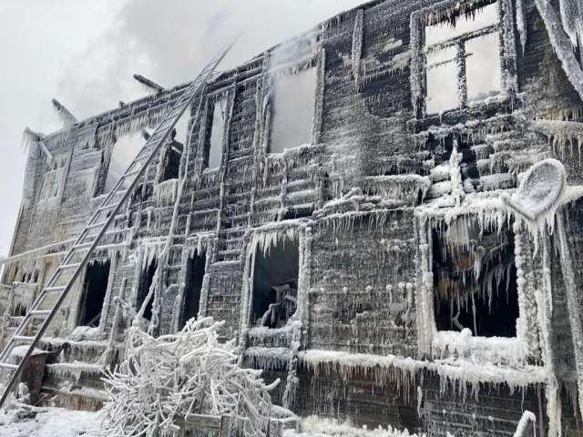 За минувшие сутки в Новгородской области произошло 12 пожаров, погибли два человека.