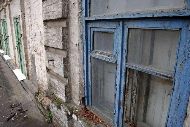 Задача расселения и сноса аварийного жилья в городе – одна из первоочередных
