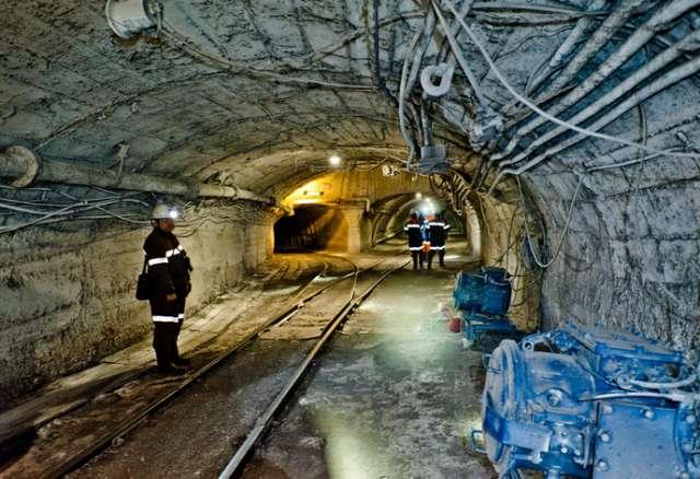 Разработанное новгородским институтом оборудование позволяет круглосуточно следить за технологическими процессами на шахте, в том числе во время аварии.
