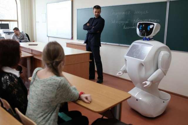 Более 50% принявших участие в опросе учителей поддержали автоматизацию проверки домашних заданий и контрольных работ.