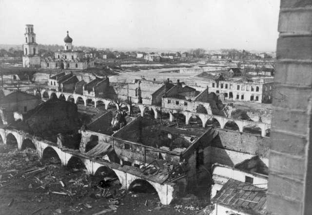 Фильм представит трагическую картину Холокоста во время нацистской оккупации, факты эвтаназии пациентов Колмовской психиатрической больницы, расследование зверских расправ над мирным населением в окрестностях деревни Жестяная Горка