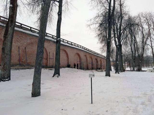 Совсем скоро реставраторы приступят к вычинке стен кремля.