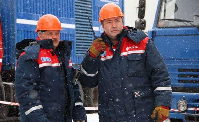 Сообщить об отключениях электроэнергии и замеченных повреждениях энергообъектов можно по единому круглосуточному бесплатному телефону #Россети 8-800-220-0-220