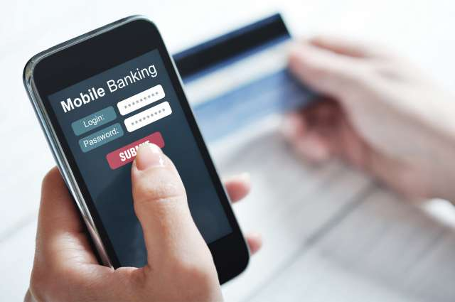 По версии следствия, подозреваемый с помощью приложения банка, установленного в телефоне знакомого, перевёл на свой счёт 18 тысяч рублей.
