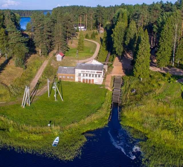 В Окуловский каскад гидротехнических сооружений входят три плотины – Боровновская, Горнешенская и Обреченская.