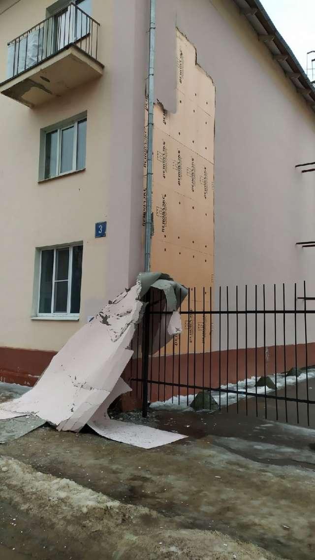 Назвать подрядчика в УК затруднились, однако отметили, что дом находится на гарантии