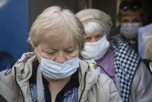 На сегодняшний день в Новгородской области 475 человек лечатся от коронавируса в стационаре, амбулаторно лечение получают — 892 человека
